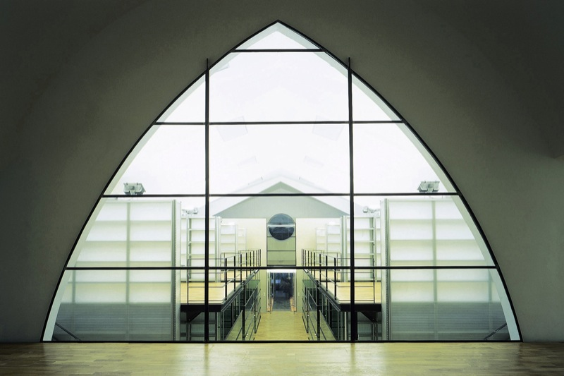 SR35/17 - Umbau einer Kirche in ein Bürogebäude und Einbau eines Kinos