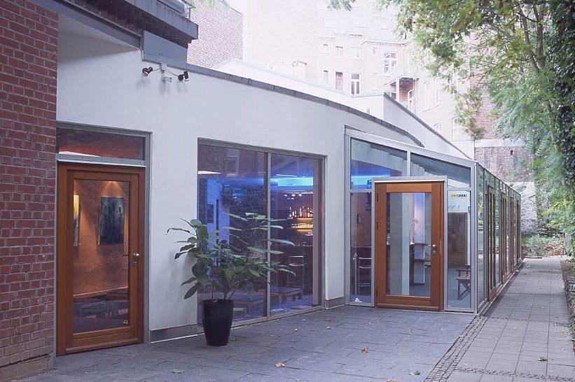 Off - Sanierung, Neubau und Umbau eines Kinos und Einbau eines Foyer- und Barbereichs