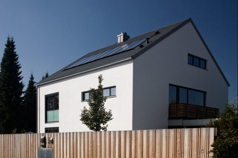 H24 - Neubau eines Niedrigenergie Einfamilienhauses mit Pool